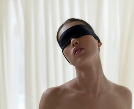 How to Use a Blindfold During Sex